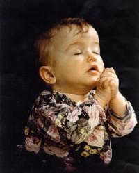 Toddler Praying_full
